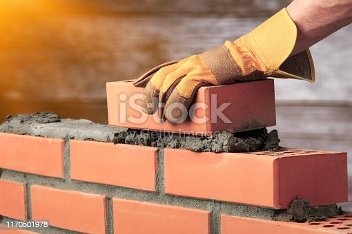 Quelle est l'importance de la maçonnerie dans une construction?